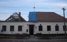 výměna střechy - obecní úřad