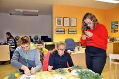 Výroba vánočních dekorací